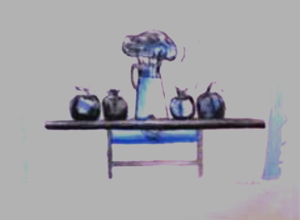 Mesa intervenida en azul